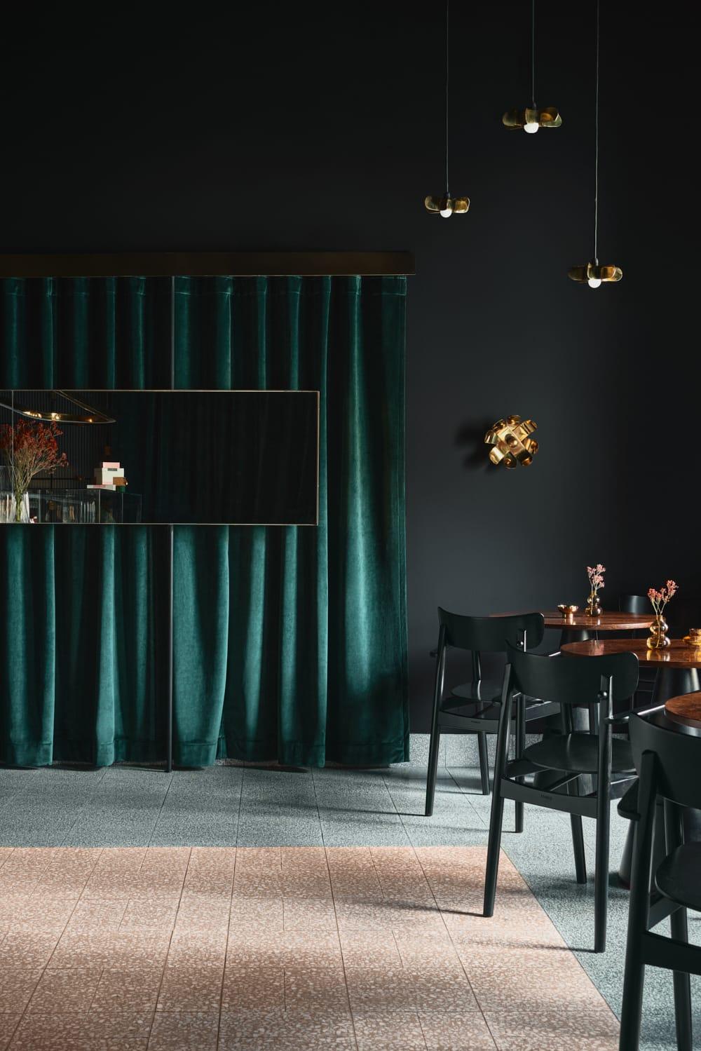 yarmush-interiors-bonbon-201008121442-10140